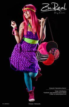 Flower neon bag - Jardín Gestalt.  Handmade purple dress (just for the photoshoot)  #Fashion #bag #color