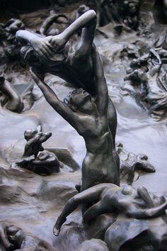 AUGUSTE RODIN. La Porte de l'Enfer (détail), d'après la Divine Comédie de Dante