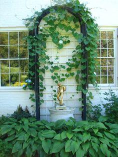 Lieblich Design Ideen Kleinen Garten Schatten Liebende Pflanzen Spalier  Kletterpflanzen