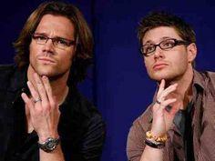 """Humour is sexy - guys from Supernatural in LOL photos, link: http://pudelekx.pl/obsada-supernatural-nie-zawsze-powazna-30876-g1#galeria // Obsada """"Supernatural"""" nie zawsze poważna?"""