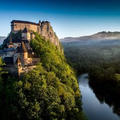 Castles in Slovakia are outstanding - Picture of Mountania Travel - hike Slovakia, Poprad - Tripadvisor Travel Forums, Beautiful Forest, Countries To Visit, Central Europe, Travel Goals, Travel Pictures, Adventure Travel, Monument Valley, Trip Advisor