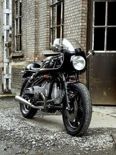 BMW. Looks like a Ducati Fairing on it. So damn nice