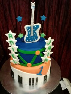 Musical theme birthday party - fondant cake -facebook.com/yeskscakes