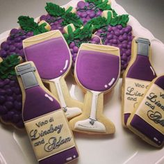 Wine Cookies~ Cookie favors for Wedding or Adult Parties, no source, Purple grapes, wine glasses, wine bottles (decorated bottle glass cutter) Wine Cookies, Cookie Favors, Fancy Cookies, Cut Out Cookies, Royal Icing Cookies, Cupcake Cookies, Sugar Cookies, Cookies Et Biscuits, Wine Cupcakes
