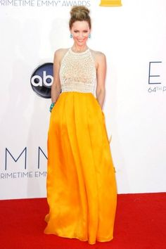 Leslie Mann wearing Lorraine Schwartz accessories and Naeem Khan beaded-bodice and marigold-skirt supremacy at the Emmys 2012