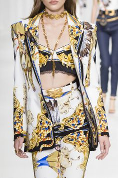 Versace Spring 2018 Fashion Show Details