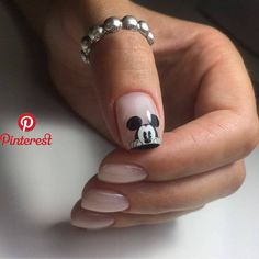 70 trendy nails ideas desing glitter in 2020 Hair And Nails, My Nails, Glitter Nails, Disney Acrylic Nails, Mickey Mouse Nails, Mickey Mouse Nail Design, Trendy Nail Art, Instagram Nails, Fabulous Nails