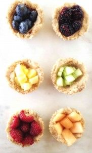 Healthy no bake rainbow fruit tarts! Vegan, gluten free and naturally sweetened. Perfect for spring/summer!