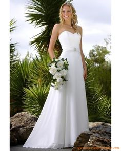 A-Line/Princess Strapless Chapel Train Chiffon wedding dress for OUtdoor Wedding