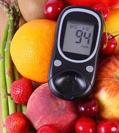 Do you have diabetes? Are you worried about foods with a high glycemic index? Don't worry. We are here to give you the best fruits that you can relish without worrying about your blood sugar levels. Beat Diabetes, Diabetes Facts, Diabetes Food, Diabetes Recipes, Prevent Diabetes, Glykämischen Index, Best Fruits For Diabetics, Meals For Diabetics, Gourmet