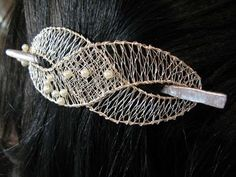 For a shawl pin? More use to me than a hair dooda. Hairpin Lace Crochet, Wire Crochet, Crochet Edgings, Crochet Motif, Crochet Shawl, Pin Weaving, Bobbin Lace Patterns, Loom Patterns, Bobbin Lacemaking
