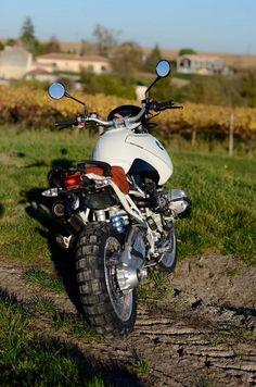 BMW Scrambler by Motorieep. Motos Bmw, Bmw Motorbikes, Scrambler Motorcycle, Bmw Motorcycles, Cb400 Cafe Racer, Bmw Cafe Racer, Bmw Boxer, Tracker Motorcycle, Motorcycle Design