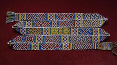 Anlehnung an St. Severin / Köln Muster teils authentisch und teils selbst entworfen Card Weaving, Weaving Patterns, Textiles, Cards, Patterns, Loom Patterns, Maps, Fabrics, Playing Cards