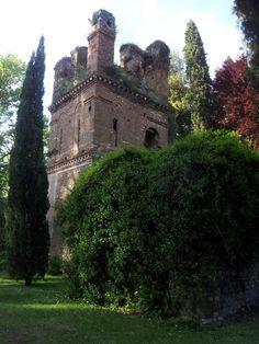 Giardini di Ninfa, the Caetani's tower. ♥