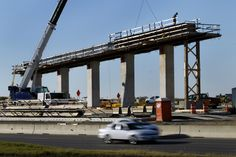 GRAPEVINE – A $1.1 billion project to untangle highway traffic north of Dallas/Fort Worth International Airport is slated to wrap up by early October