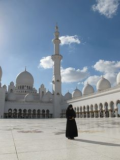 Sheikh Zayed Grand Mosque, UAE by Andrew Rhodes