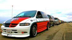 Chrysler Voyager, Chrysler Town And Country, Chevy Van, Cool Vans, Grand Caravan, Minivan, Spy, Dodge, Camper