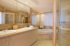 The Heron - Master bathroom - Nox Rentals Cape Town holiday rental property