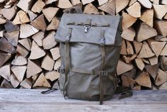 A hard-to-find Swiss Army Patrol alpine backpack or Swiss Army rucksack from made from waterproof rubberised nylon canvas. Swiss Army Backpack, Army Rucksack, Vintage Backpacks, Army Green, Green Colors, How To Look Better, Military, Canvas, Switzerland