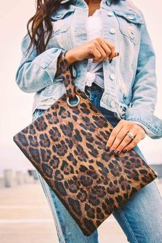 The Madison leopard clutch is perfect for a day of shopping or a night out on the town; available in light, dark and gray leopard print! Diy Clutch, Clutch Bag, Diy Leather Clutch, Animal Print Clutches, Animal Print Purses, Leather Bag Pattern, Leopard Clutch, Animal Print Fashion, Brown Leopard