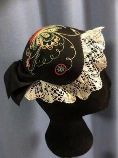 Snapback, Detail, Hats, Patterns, Fashion, Block Prints, Moda, Hat, Fashion Styles