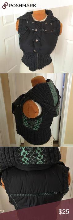 Free people vest Cute vest super comfy w hoodie Free People Jackets & Coats Vests