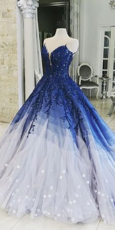 This is a sleeveless tulle long ball gown prom dress with appliques. Silhouette:Ball Gown Neckline:Scoop Hemline/Train:Sweep/Brush Train Sleeve Length:Sleeveless Embellishment:Appliques Back Details:Zipper Fabric:Tulle Source by cathyprom_offical ball Big Prom Dresses, Quince Dresses, Quinceanera Dresses, Pretty Dresses, Beautiful Dresses, Wedding Dresses, Beautiful Guys, Quinceanera Party, Pageant Dresses