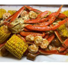 Old Bay Crab Boil Recipe, Crab Boil Seasoning Recipe, Low Country Boil Recipe Old Bay, Shrimp And Crab Boil, Lobster Boil, Shrimp And Lobster, Seafood Boil Recipes, Lobster Recipes, Fish Recipes