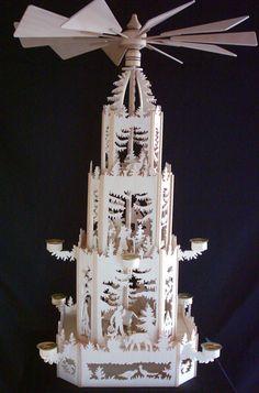Weihnachtspyramide 75cm Handgesägt