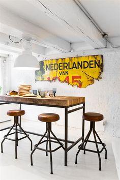 HKliving industrieel vintage kleur decoratie woonaccessoires woonkamer interieur wit zwart hout eetkamer keuken geel