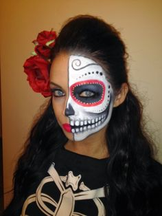 Halloween is just alright. Dia de los muertos is where it's at. Try these stunning looks on November Sugar Skull Halloween, Visage Halloween, Maquillage Halloween, Couple Halloween Costumes, Halloween Make Up, Halloween Party, Halloween 2017, Halloween Treats, Half Sugar Skull Makeup