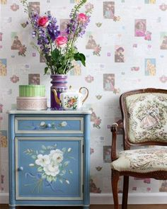 Brian Yates Pretty Nostalgic (138126). Roomset shown in same or different colourway.