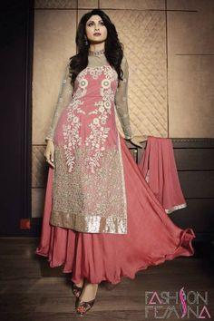 Buy bollywood anarkali suits, anarkali salwar kameez and designer anarkali suits online. Shop now lovely Shilpa Shetty net designer salwar suit. Designer Salwar Kameez, Designer Anarkali, Salwar Kurta, Long Anarkali, Anarkali Suits, Sharara, Bollywood Suits, Bollywood Lehenga, Bollywood Fashion