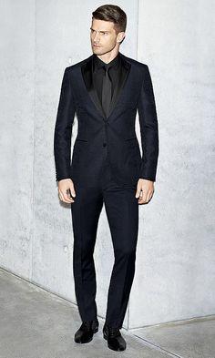 blauer anzug mit hemd und braune tasche f r herren von boss anz ge men pinterest. Black Bedroom Furniture Sets. Home Design Ideas