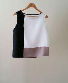 Color block Linen blouse, linen tunic tops, white linen tops , color block… - All About Blouse Patterns, Blouse Designs, Blouse En Lin, Sewing Blouses, Linen Tunic, Cotton Linen, Fashion Sewing, Linen Dresses, Mode Style
