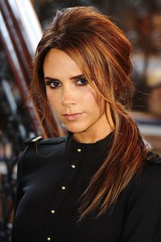Victoria Beckham's side ponytail - celebrity hair and hairstyles