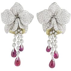 Cartier Caresse d'Orchidees Ruby Diamond Platinum Earrings (2 339 000 UAH) ❤ liked on Polyvore featuring jewelry, earrings, ruby jewelry, platinum diamond earrings, platinum earrings, diamond earring jewelry and ruby jewellery