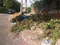 Para manter ruas limpas de um bairro basta seus moradores jogarem o lixo na lixeira.  Rua Basileo da Costa - Pavuna  - Rj
