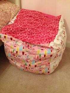 Sewing Toys goodness gracious living DIY toy bag storage 3 to 6 fabrics, square, sew together w/ Velcro on one side. Bean Bag Storage, Diy Bean Bag, Diy Toy Storage, Bean Bags, Stuffed Animal Bean Bag, Stuffed Animal Storage, Sewing Stuffed Animals, Bean Bag Gaming Chair, Bean Bag Chair