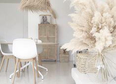 Op deze manieren geef je een natuurlijke look aan je interieur - Alles om van je huis je Thuis te maken | HomeDeco.nl New Room, Shag Rug, Ladder Decor, Rugs, Home Decor, Accessories, Everything, Shaggy Rug, Farmhouse Rugs