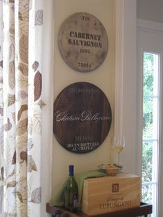 Perfect for the Dining room or Kitchen: Ballard Designs Knock-Off: Wine Barrel Plaques Wine Barrel Wall, Wine Wall Decor, Knock Off Decor, Diy Holz, In Vino Veritas, Diy Wall Art, Wall Décor, Ballard Designs, Diy Projects To Try