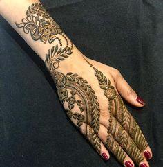 Indian Henna Designs, Simple Arabic Mehndi Designs, Henna Art Designs, Modern Mehndi Designs, Mehndi Designs For Beginners, New Bridal Mehndi Designs, Mehndi Designs For Fingers, Khafif Mehndi Design, Mehndi Design Photos
