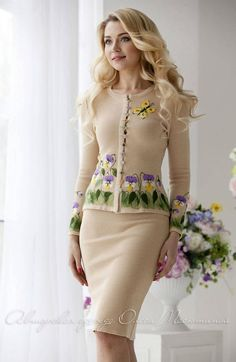 outfit Elegant and feminine two-piece suit consists of a jacket and pencil skirt! The jacket is decorated with delicate felting flowers Beautiful Prom Dresses, Beautiful Outfits, Nice Dresses, Boohoo Outfits, Boho Fashion, Fashion Dresses, Fashion Tips, Spring Work Outfits, Mode Boho