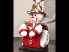 servilletero Navideño - YouTube Christmas Tree Toppers, Felt Christmas, Simple Christmas, Christmas Crafts, Christmas Decorations, Christmas Ornaments, Holiday Decor, Christmas Christmas, Hallmark Disney Ornaments