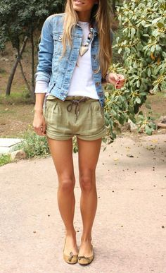 summer or spring outfit love the flats!