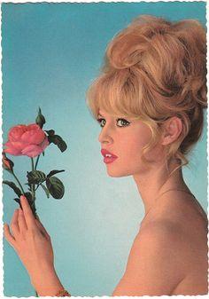 Brigitte Bardot pictures and photos Brigitte Bardot, Bridget Bardot, Eliza Dushku, Christina Hendricks, Vintage Photography, White Photography, Divas, 60s Hair, Photoshoot Concept