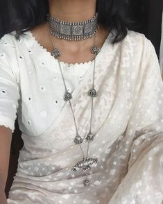 Fresh and contemporary silver jewelry Saree Blouse Neck Designs, Fancy Blouse Designs, Saris, Silver Jewellery Indian, Silver Jewelry, Silver Rings, Leiden, Saree Jewellery, Stylish Sarees