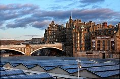 Waverley Bridge--Edinburgh (2005)