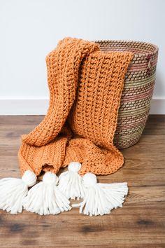 Crochet Chunky Blanket - Free Pattern - MJ's off the Hook Designs Chunky Crochet Blanket Pattern Free, Chunky Blanket, Easy Crochet, Crochet Hooks, Crochet Patterns, Crochet Blankets, Crochet Afghans, Crochet Shirt, Half Double Crochet