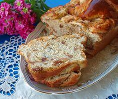 Γλυκό ψωμί με #μήλα και #σταφίδες #sweetbread #applebread #twistbread #apples #nostimiesgiaolous Raisin, French Toast, Bread, Apple, Breakfast, Food, Breakfast Cafe, Essen, Breads